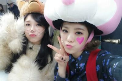 lizzy and eunji