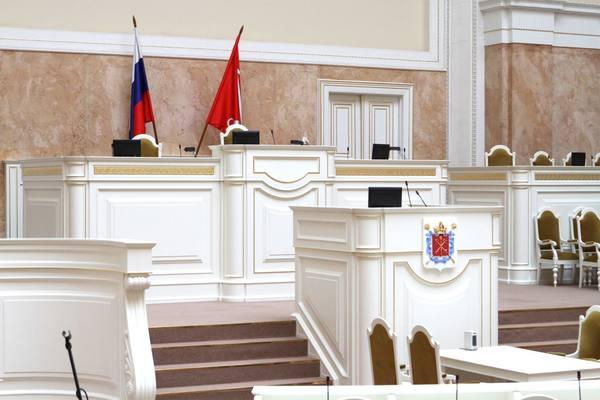 Беглов засунул щупальца в ЗакС Петербурга – теперь в городе реализуются только его решения