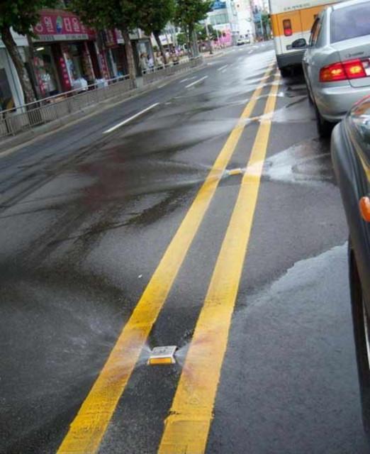 Как убирают дороги в Корее фото, поливают