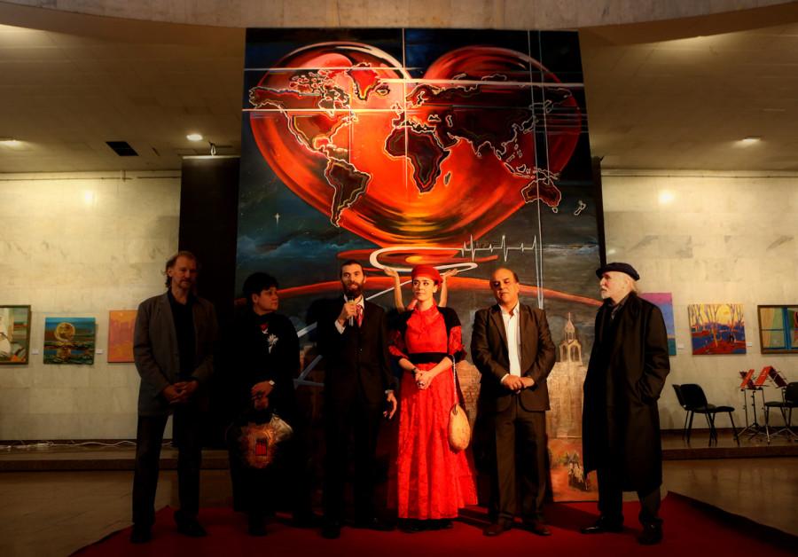Дарья Марченко, Даниэль Грин, Джамаль Бадван и художники (картина СЕРДЦЕ МИРА)