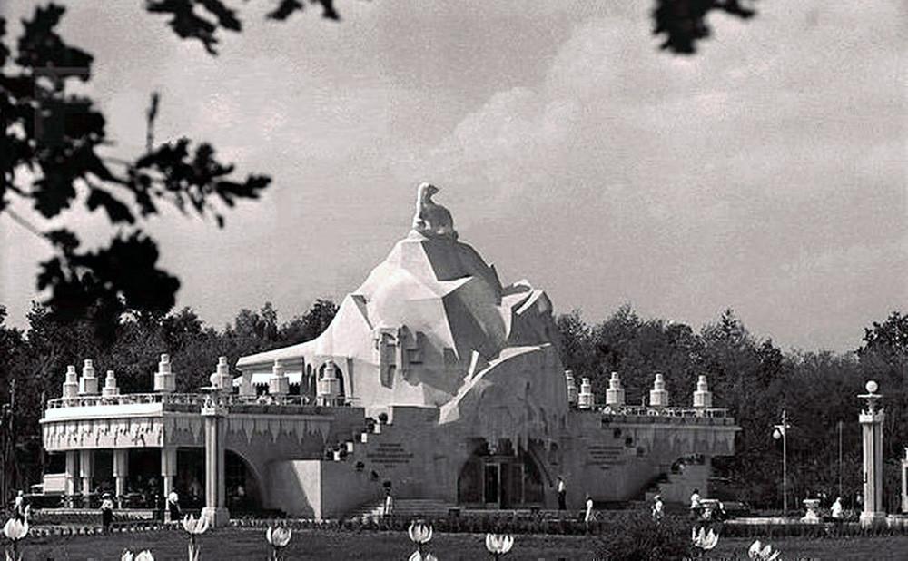 Павильон Главхладопрома на территории ВСХВ 1939