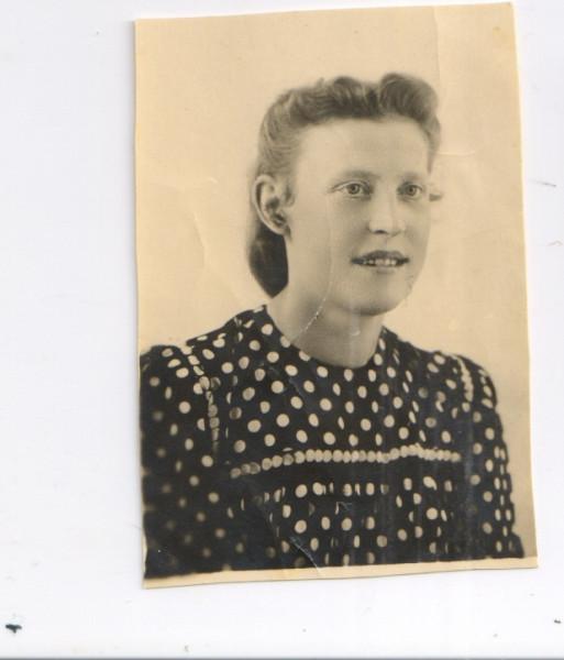 Бабушка в молодости