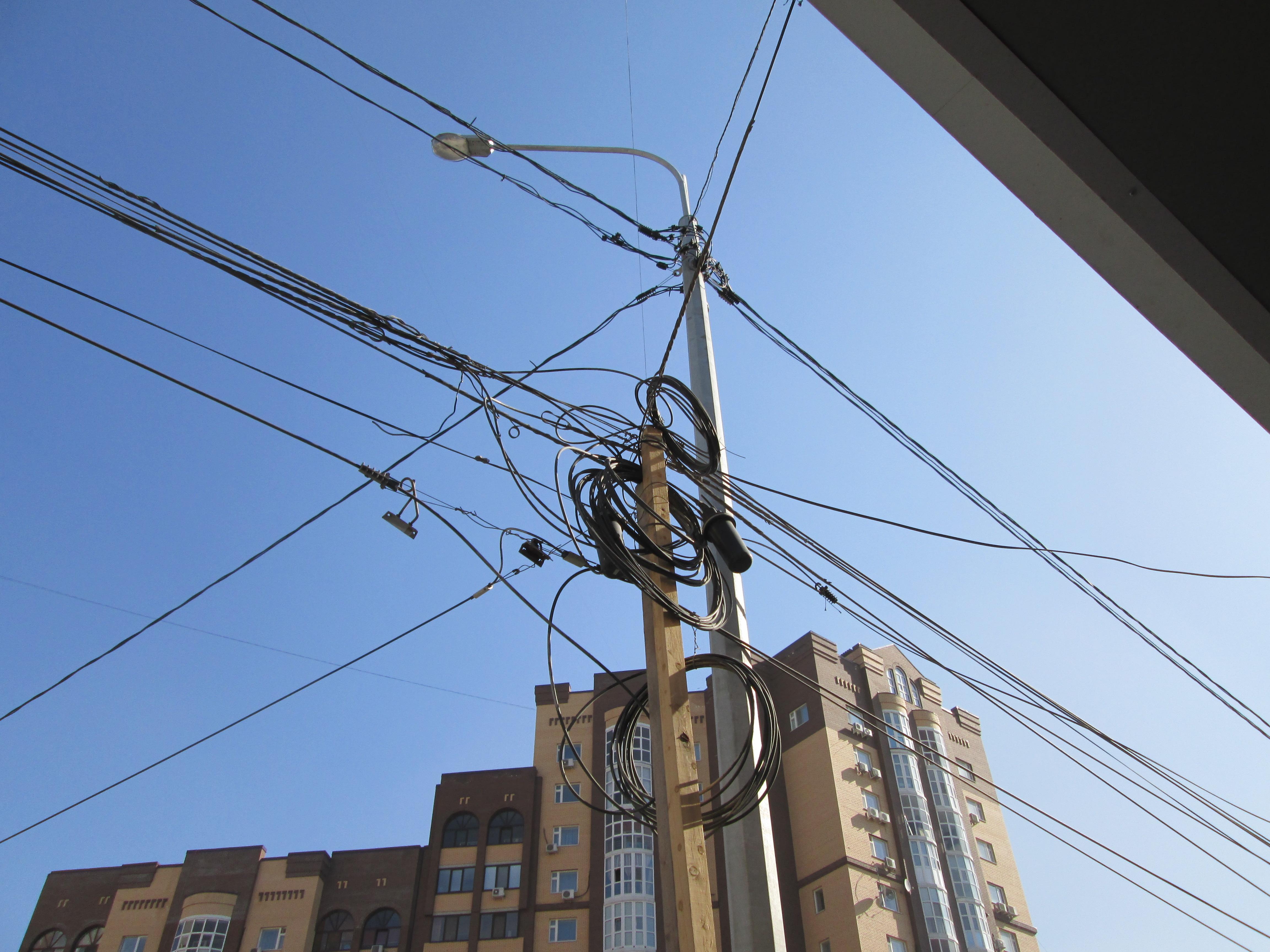 Куда в Москве делись провода?