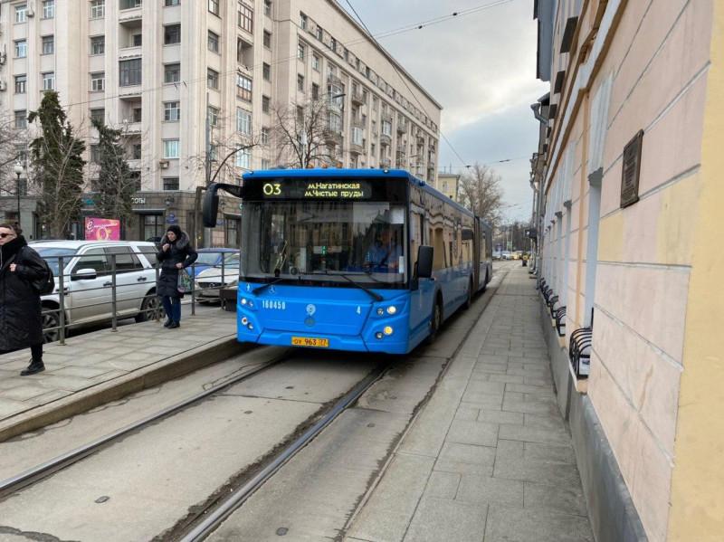 Что будет, если пустить автобусы по трамвайным путям?
