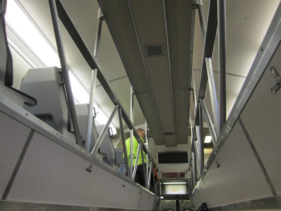 11 второй этаж вагона для велосипедистов в электричке