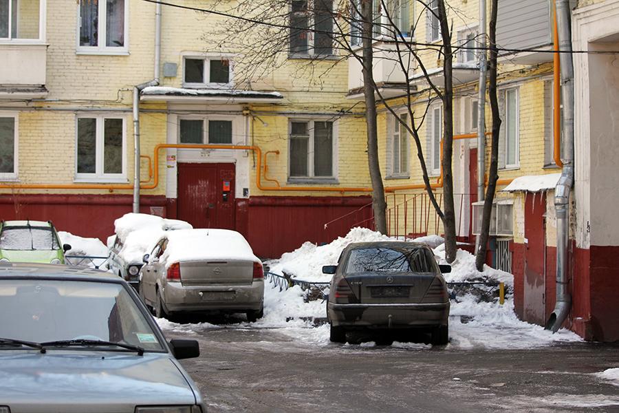 Платная парковка во дворах! 09