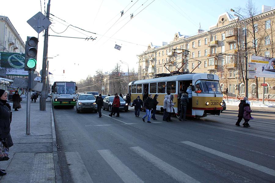 Турникеты в трамваях надо срочно убирать! 06