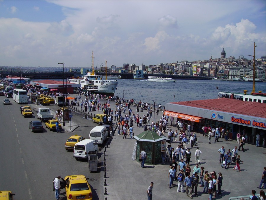 Eminönü_Istanbul_(2834697651)