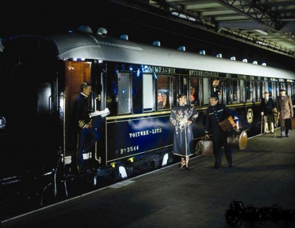 orient-express,-historic-rail-cars,-pullman,-railway-station-160274
