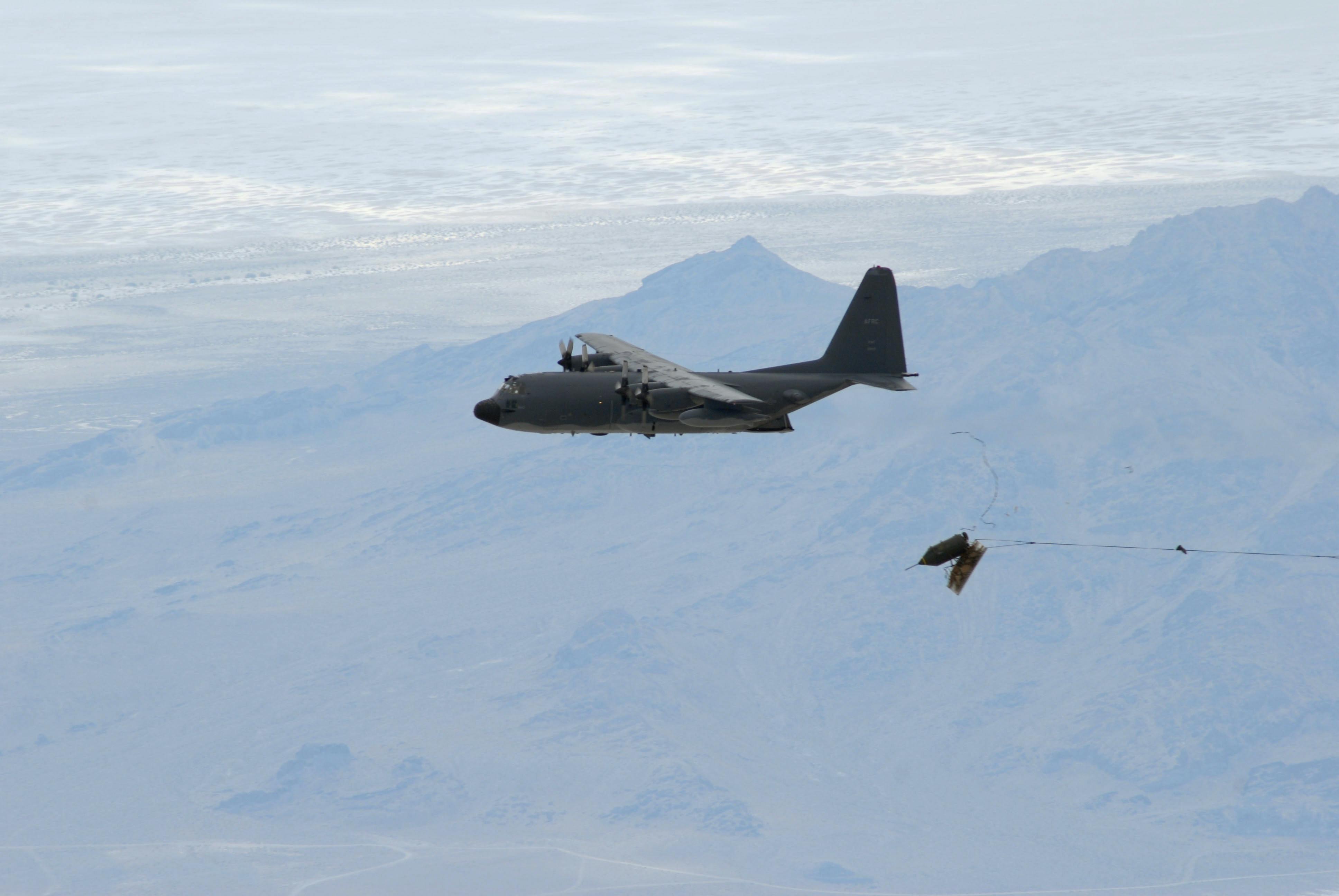 Duke_Field_reservists_drop_last_BLU-82_bomb
