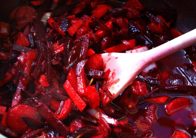 борщ жарятся овощи