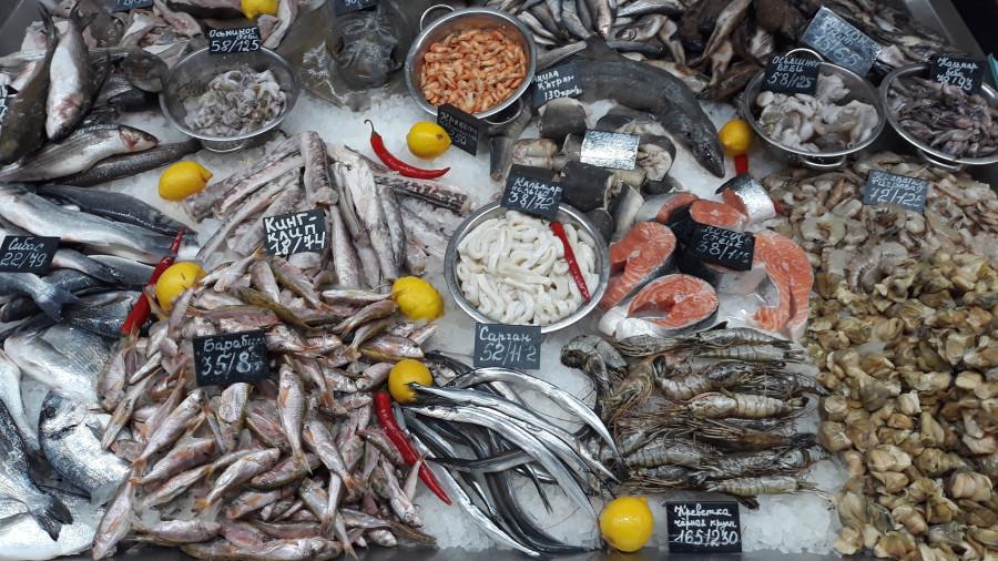 Рыбный ряд на Столичном рынке в Киеве 20190223_101825