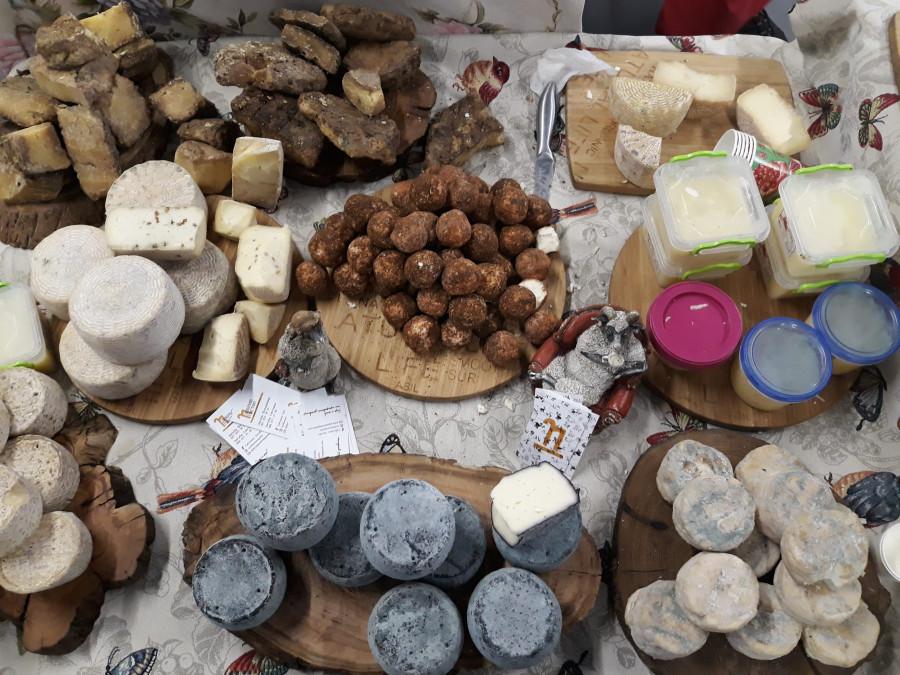 Всі свої гастрономія - большая киевская ярмарка крафтовой еды и напитков!