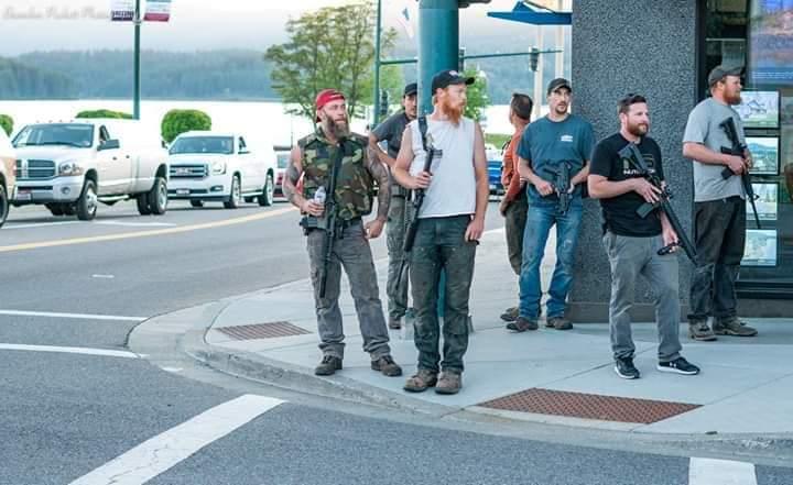 Граждане с легальным оружием охраняют порядок в США