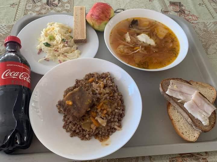 Обычный обед в армии Украины