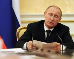 """В.Путин посоветовал оппозиции не """"цыкать на власть гнилым зубом"""""""