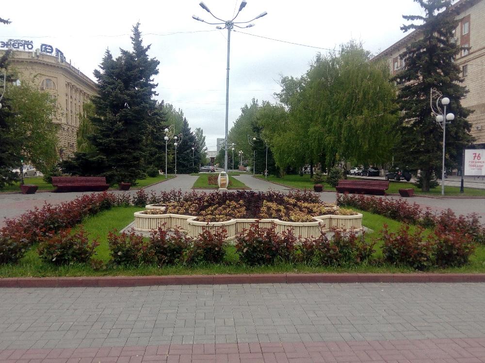 Бульвар на проспекте Ленина явно тоже облагородили