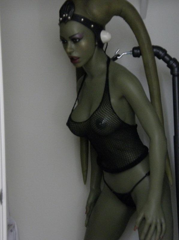 Смотреть порно резиновые куклы 21 фотография