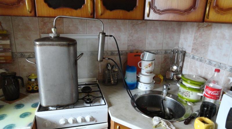 Как сделать самогон в домашних условиях
