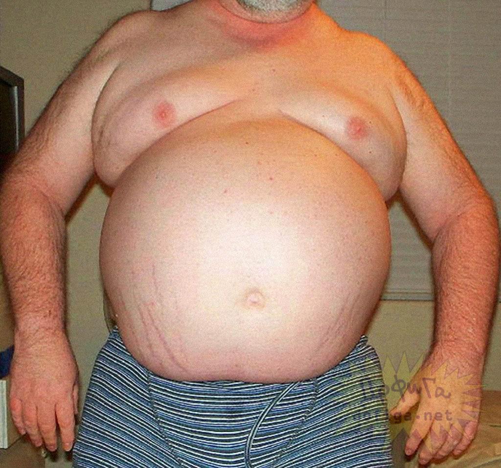 Пузатый мужик видео, подглядели за сексом дома
