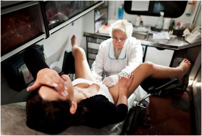 muzhchina-u-ginekologa-foto