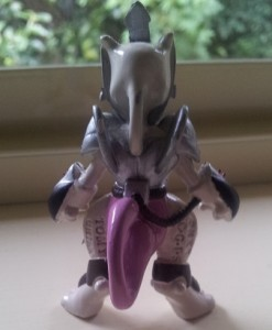 Armored Mewtwo Figure Back 1