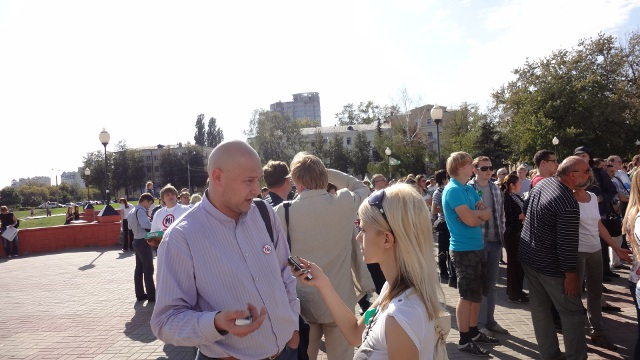 Константин Квасов даёт интервью
