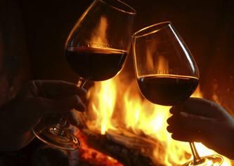 вино и камин