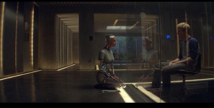 кадр фильма Из Машины