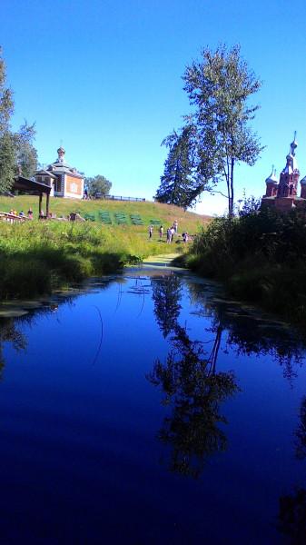 первые метры реки Волга