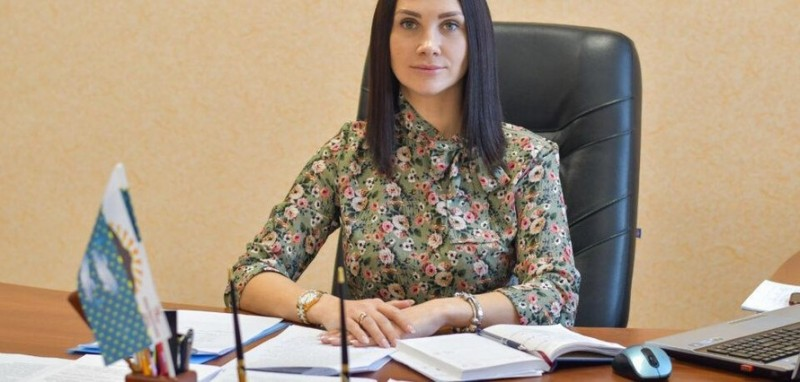 Почему мэр Южно-Курильска на заседании с губернатором стал трогать свою