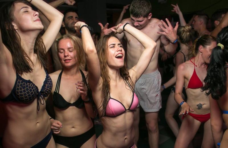 Фото: Веселись, танцуй и отрывайся по полной. Делай только то, что нравится и посылай всех подальше