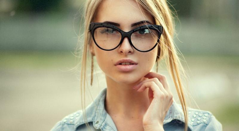Фото: Девушка, мыслями которой интересуются люди