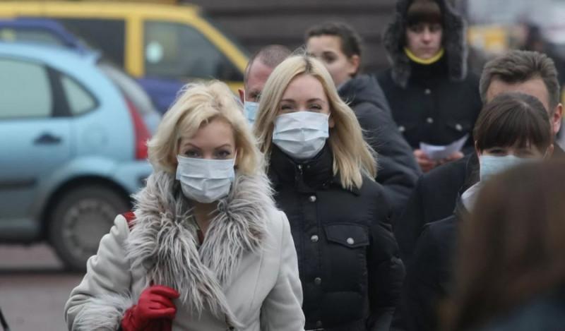 Фото: Люди в масках