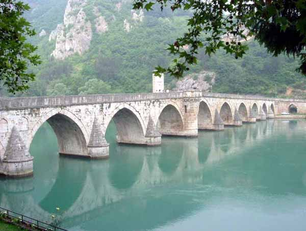 Visegrad_bridge_by_Klackalica