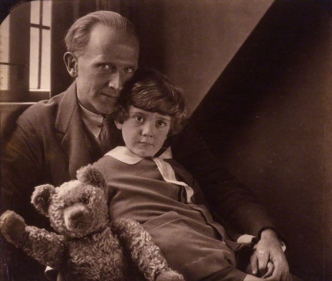 2680505-R3L8T8D-650-national-portrait-gallery-large-image-npg-p715-aa-milne-christopher-robin-milne-1386469338_org