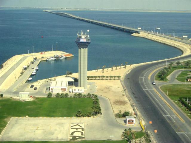 Мост Короля Фахда между Бахрейном и Саудовской Аравией - одно из чудес света