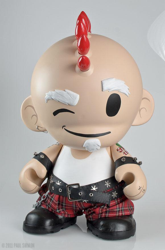 Mega-MUNNY-Punk-Santa-Custom-1