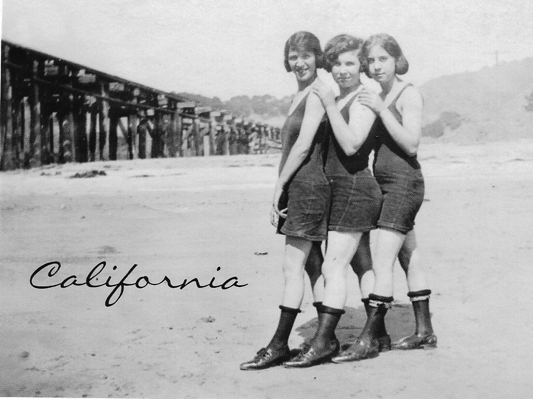 California 1924 beach girls
