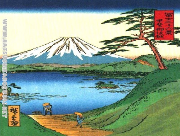 A-Green-Hilly-View-of-Mt-Fuji-over-a-Lake-hokusai