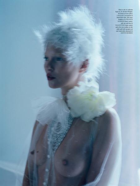 Kate Moss Love 8 fall 12 stylist katie Grand ph Tim Walker via modelcouture 7