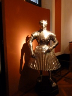 В 13-14 веке в Австрии модно ходить вот так...