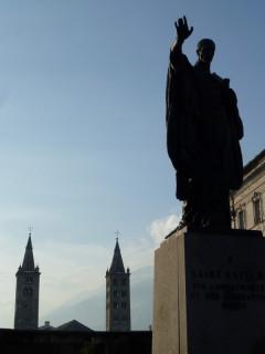 Св.Ансельм из Аосты, он же Кентерберийский - на фоне Нотр-Дама:)