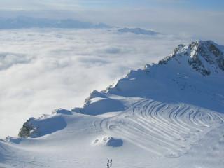 Вид на равнинную лыжню на леднике