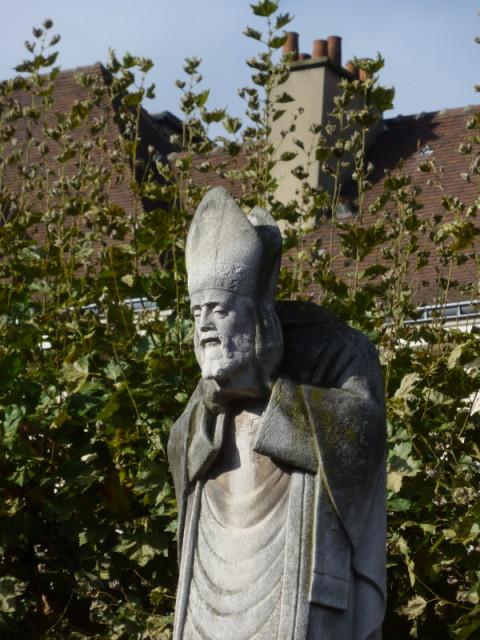 Святой Дионисий и его голова:)