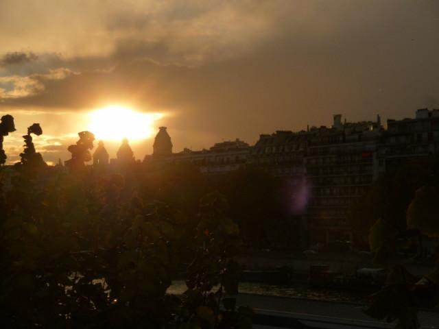 Закат над Сеной - напротив Эйфелевой башни