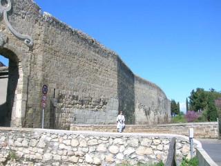 Средневековые стены Тарквинии