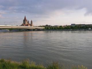 Церковь Франциска Ассизского над Дунаем