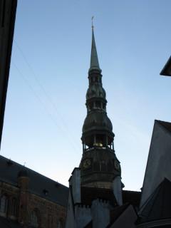 Колокольня Св.Петра видна почти отовсюду