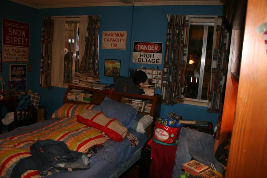 Axl & Brick's Room3